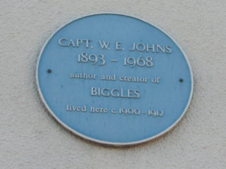 The plaque on the side of 41, Cowbridge | Geoff Cordingley