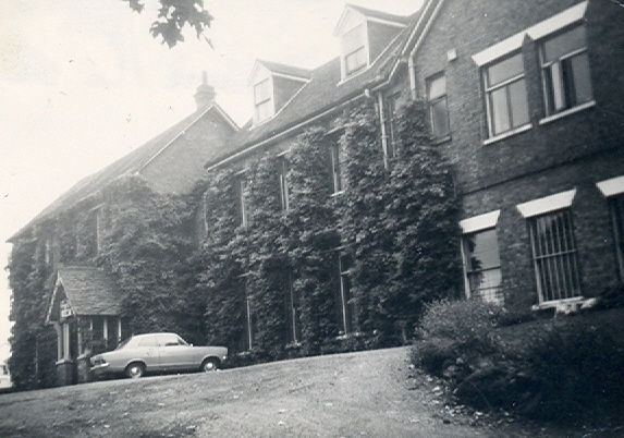 Canons Hotel 1969 | Hertfordshire Archives and Local Studies