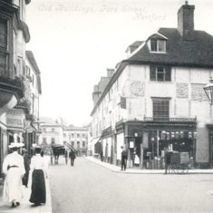 The corner of Market Place, looking towards Parliament Square in 1911. | Hertfordshire Archives and Local Studies