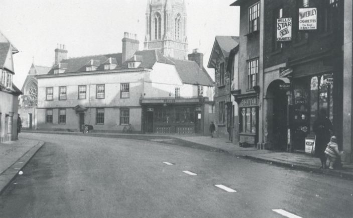 Eliza Hattam's shop can be seen on the right-hand side of this photograph, to the left of the arch | Hertfordshire Archives & Local Studies
