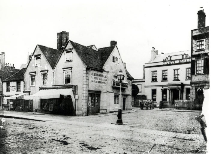 High Street scene | Hertfordshire Archives and Local Studies