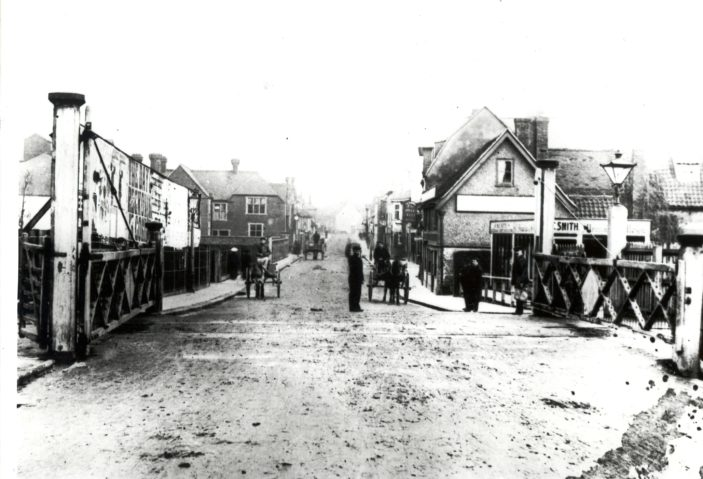 Level crossing - looking towards the Town Centre | Hertfordshire Archives and Local Studies