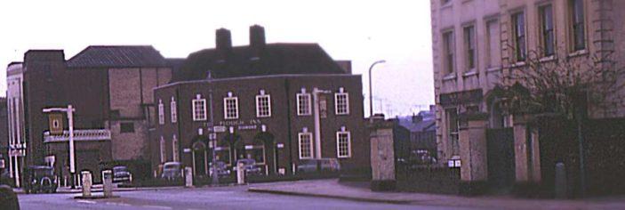 The Plough PH; London Road | (c) Peter Ruffles