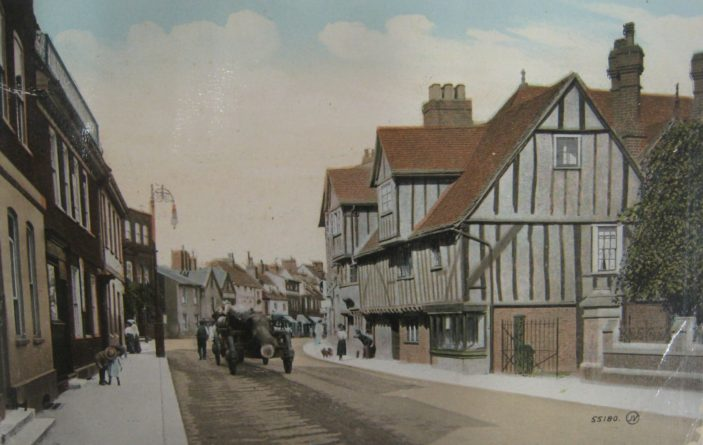 A view of St Andrew Street, c. 1916, looking eastwards | Hertfordshire Archives & Local Studies
