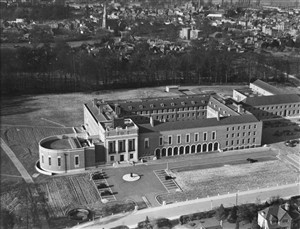 County Hall in 1939 | Aerofilms