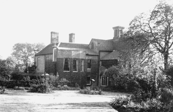 Rear of the house in 1932 | Hertfordshire Archives & Local Studies (ref Acc 5021)