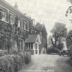 The Canons Hotel c1927 | Herts Archives & Local Studies