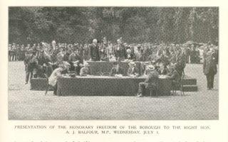 William F. Andrews, Hertford Mayor, presenting the casket to Balfour | Hertfordshire Mercury Supplement, Hertfordshire Archives and Local Studies
